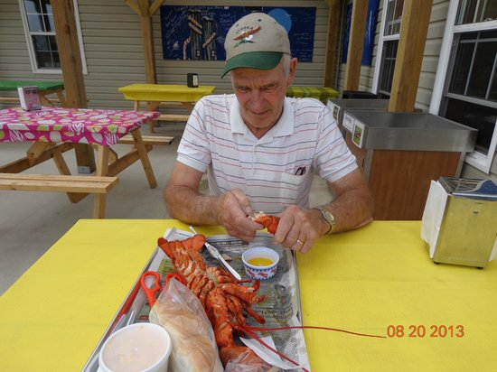 Alma Lobster Shop: Patio dining at its finest!