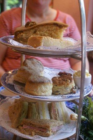 The Original Maids of Honour : High Tea