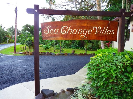 Sea Change Villas: Front Signage of resort
