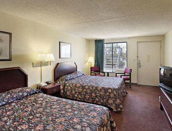 Inn of Rockwall : Standard Two Double Bed Room