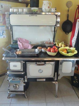 Gite Reve et Realite: Integral part of the kitchen