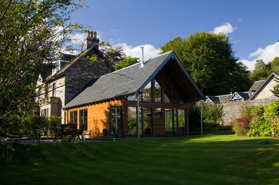 Craigatin House & Courtyard: The dining extension from the lawn