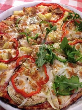Pizzaiolo Rocks: pizza mitad huerta / mitad wachikoki