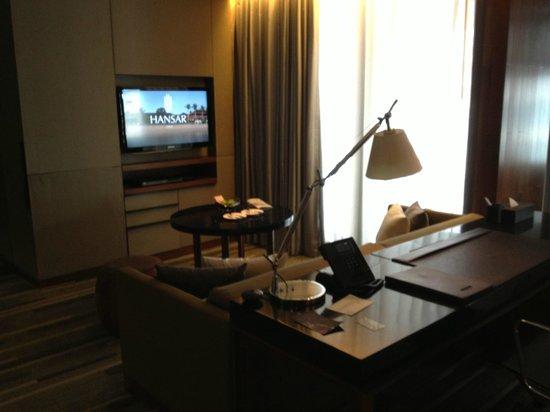 Hansar Bangkok Hotel: Bureau