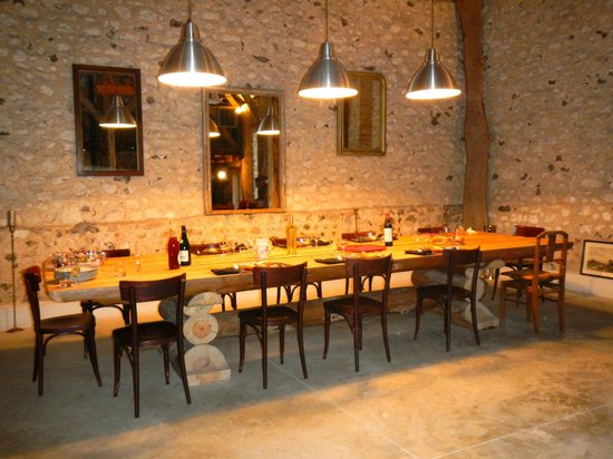 La Ferme des Isles : The Dining Table