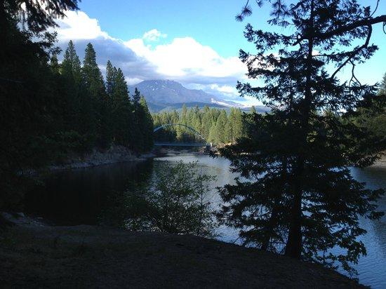 Lake Siskiyou and Mount Shasta