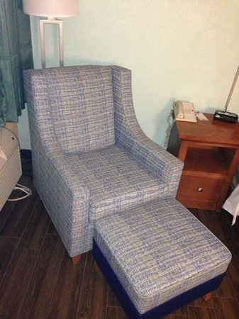 Comfort Inn & Suites Port Canaveral Area: bedroom chair