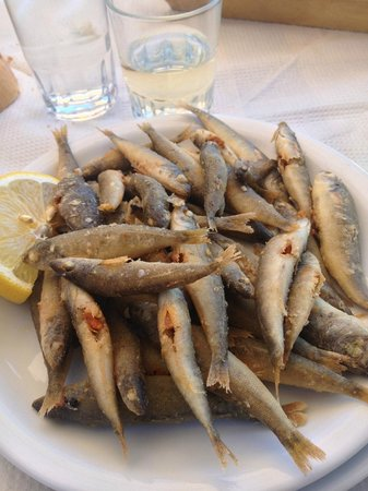 Taverna Mesa Pigadia: pesciolini fritti