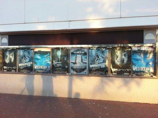 IMAX Port Vell: Même les affiches perdent leurs couleurs....