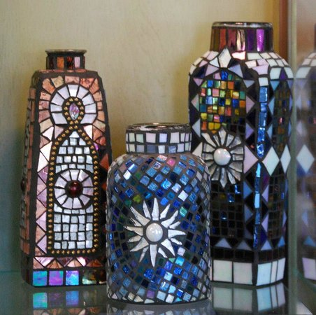 Independence Gallery: Mosaics make wonderful gifts, or additions to the garden!