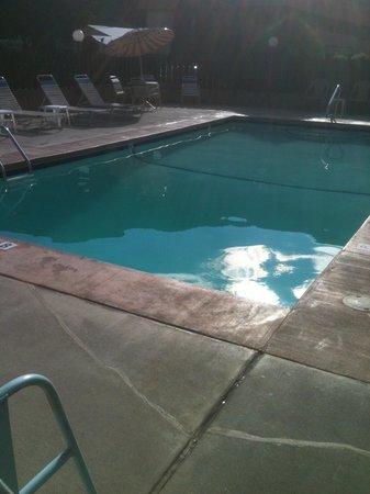 Glenwood Springs Cedar Lodge : Outdoor pool