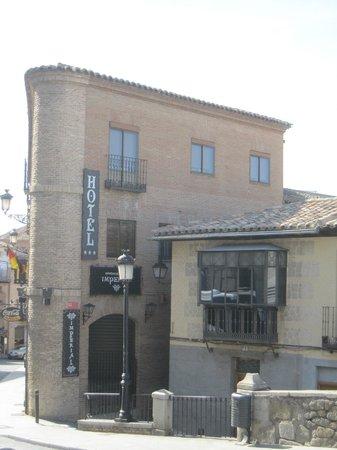 Imperial Hotel Toledo: Vista del exterior.