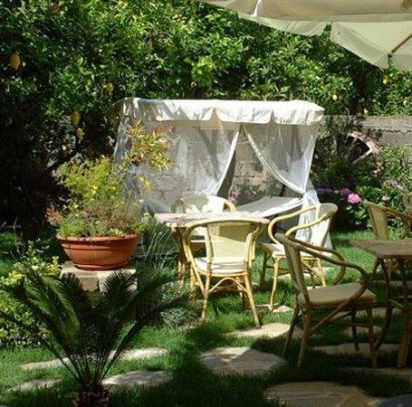 B&B Il Roseto: Exterior_Offers