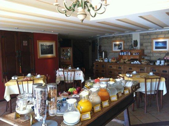 Manary Praia Hotel: Café da manhã