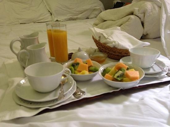 Casa Howard Guest House: Breakfast in bed @ Casa Howard