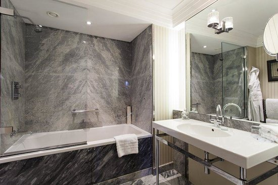 The Levin: Levin Guest Bathroom