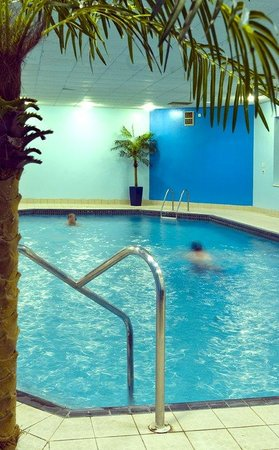 Mercure Chester North Woodhey House Hotel: Pool View