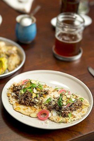 Gallo Restaurante a Puerta Cerrada: Shredded Meat Tacos