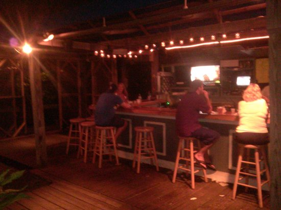 Bummz On The Beach : Outside porch bar