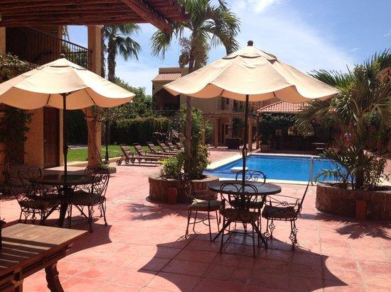 Hacienda Suites: Alberca