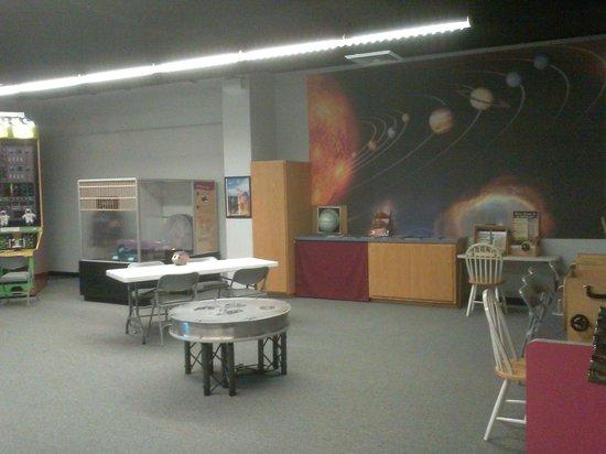 Ingram Planetarium: Science room