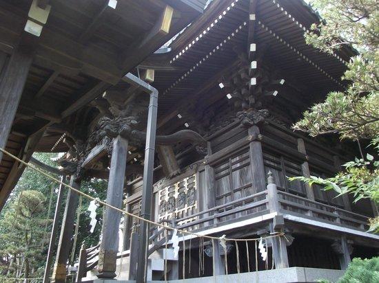 Towatari Shrine: 本殿の小壁嵌板彫刻