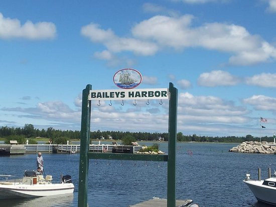 Beachfront Inn: Bailey's Harbor