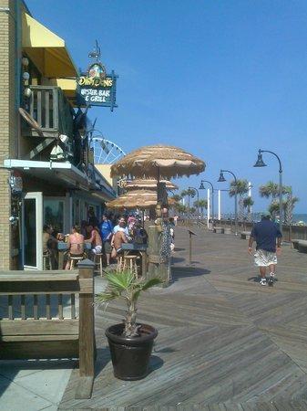 Myrtle Beach Boardwalk & Promenade: Sunny day on the Boardwalk