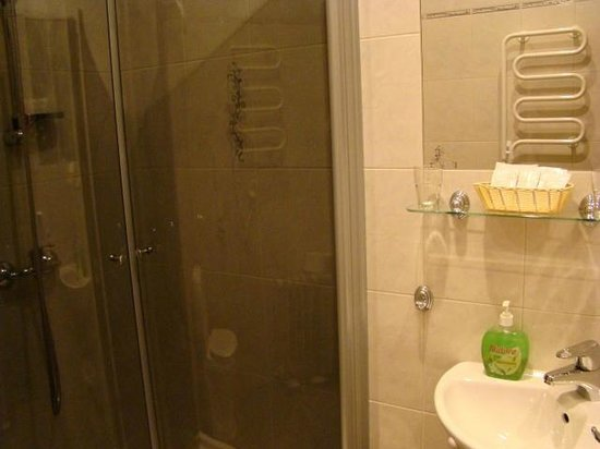 Nevsky Contour Hotel: Banheiro