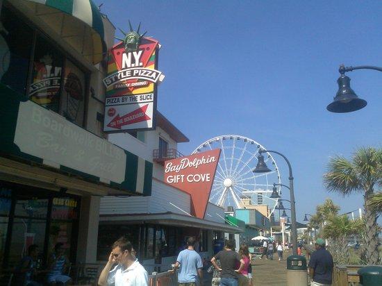 Myrtle Beach Boardwalk & Promenade: Bars along the Boardwalk