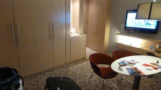 Novotel Suites Dubai Mall of the Emirates: Quarto
