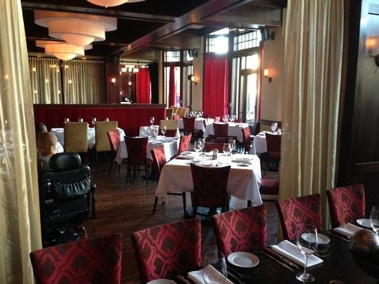 Hyde Park Prime Steakhouse: elegant and accommodating