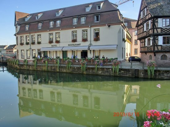 Regent Petite France & Spa: プチ・フランス ホテルの外観