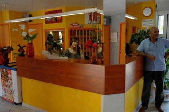 Hotel Azur : Interior