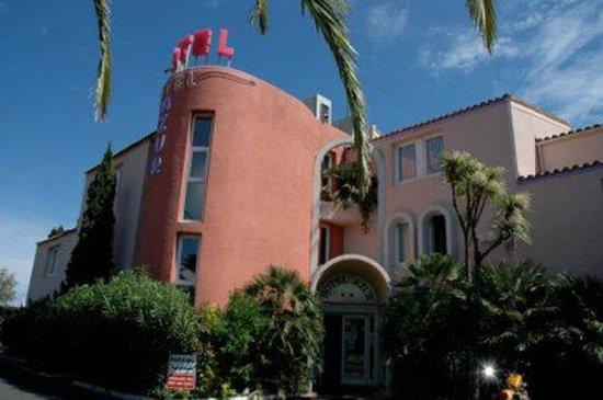 Hotel Azur : Exterior