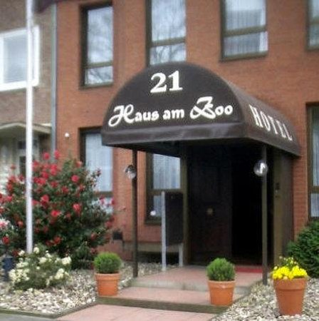 Hotel Haus am Zoo : Exterior_Offers