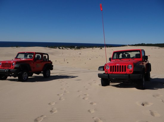 Parrot's Landing Jeep Rentals and Tours: Headed up the dunes!