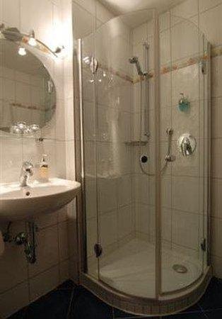 Hotel Garni Johanneshof: Room