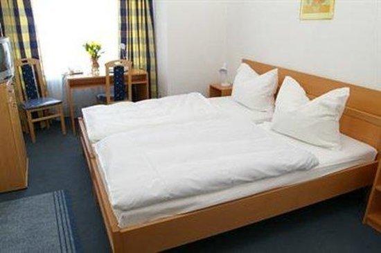Hotel Nizza: Room