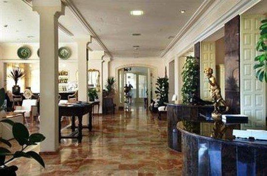 Montjoi Hotel : Interior