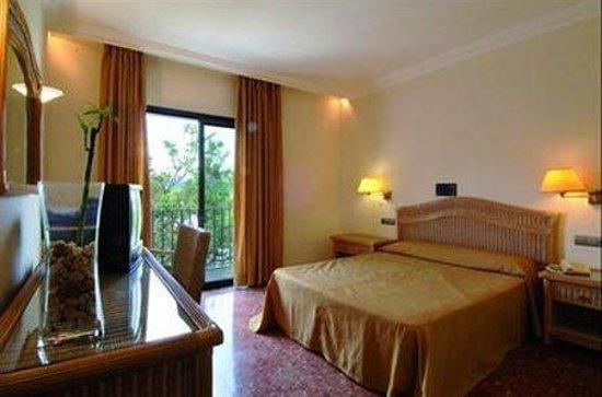 Montjoi Hotel : Room