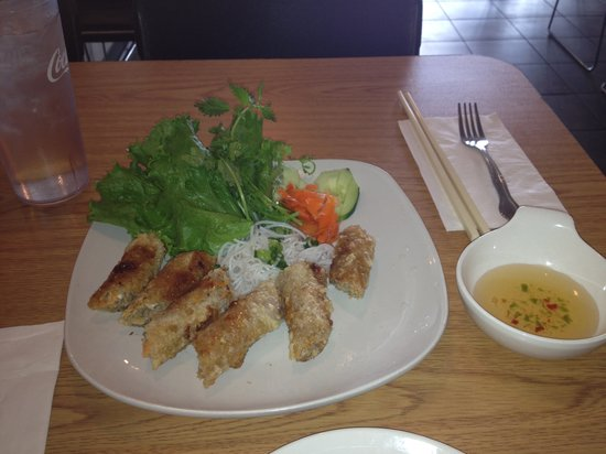 Pho Bowl & Grill : Cha Gio (fried egg rolls)