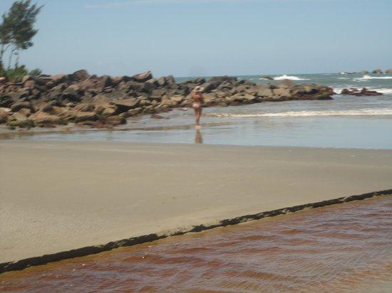 Ouvidor Beach: canto norte...