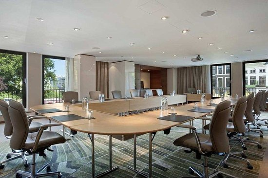 Hilton The Hague: Blue Conference Room