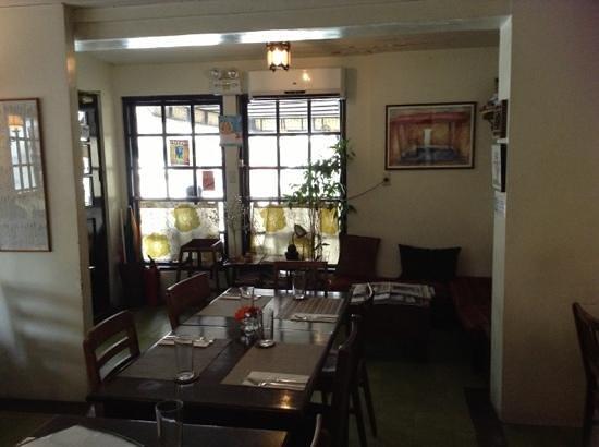 Corner Tree Cafe: seating