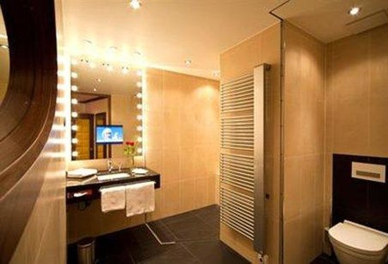 Hotel Petershof: Bathroom