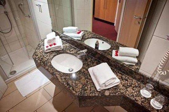 Hotel am Jungfernstieg: Bathroom