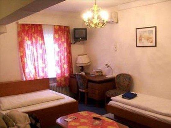 Arosa Hotel: Room