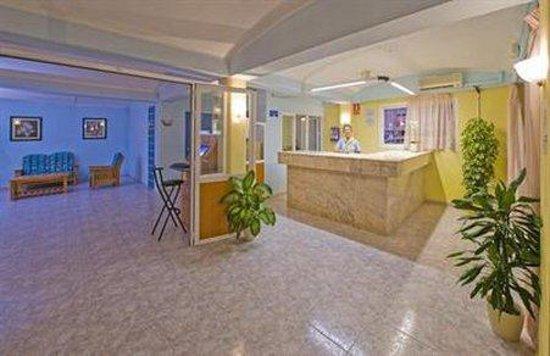 Apartahotel Del Mar: Interior