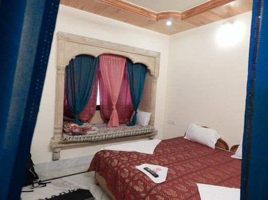Mystic Jaisalmer Hotel: Our room..
